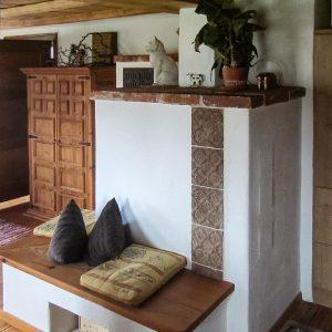Ofenkachel aus Steinzeug aus der Werkstatt für Keramil von Judith Smetana aus Lengenwang im Allgäu